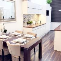 Grand Eliza 3bedroom Luxury Apt at Blaha (centre)