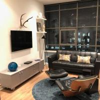 Stylish MerchantCity Apartment, Fantastic Location