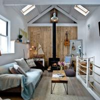 Birdcage Cottage