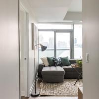 Trendy 2-Bedroom Condo (Amazing CN Tower Views)