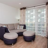 Convenient & Charming 2BD Apartment with Balcony
