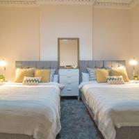 Elegant 3 Bed City Centre/West End Apartment