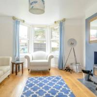 3 Bedroom House with Parking in Bath