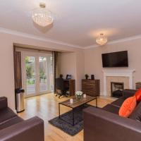 Luxury 5 Bed House in Windsor