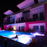Pinky Hotel - Adult Only, hotell i Koh Lanta