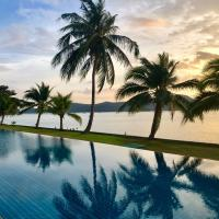 D-Lux 4 bed beachfront apartment with sea view