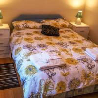 First Floor 2 Bedroom Apartment Near Conwy Marina | sleeps 6