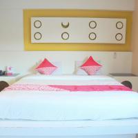 OYO 542 Majestiq Hotel