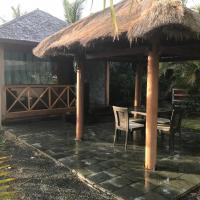 Waterfront Balinese Bungalow - romantic getaway