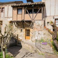 Cozy Holiday Home in Puy-l'evêque with Terrace