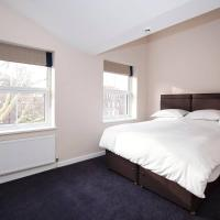 Hotel Style King Room near Denmark Hill Station
