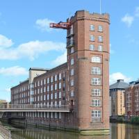 Riverside Studio Apartments Close To City Centre