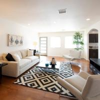 North Hollywood Oasis close to Universal and Hollywood