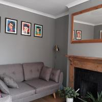 Grove Road Cottages - Edwards - 2 Bedrooms - Free Parking & Wifi