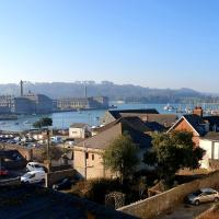 Pure B - Self Contained in Plymouth with Stunning Views and Free Parking