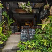 Liquid Lounge bar & hostel