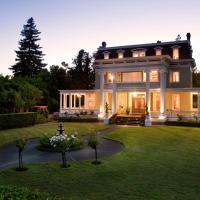 Churchill Manor