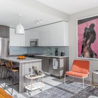 Striking 2BR+Lounge in City Center