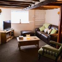 Pike Cottage, A Fully Equipped Cottage Set on the River Deben