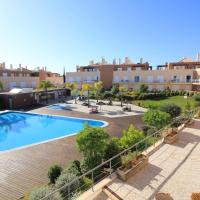 2 Bed Apartment Nearby Pool - Cabanas Gardens