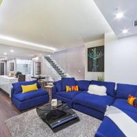 LAVISH Masterpiece DOWNTOWN Spacious 4 BDRM HOUSE