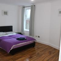 Charming River View 3 bedroom Apartment in the Heart of London