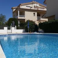 Fantástico apartamento con piscina (4-5 personas)