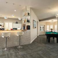 Paradise Vacation StayCation at your Feet! Pool Table - Full Bar just for you!