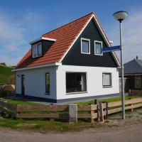 Villa aan de duinen, hotel in Callantsoog