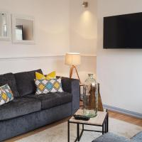Ideal Home away in Smithalls, Bolton