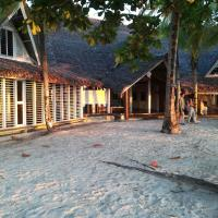 """eEnjoy your relaxing vacation right on the beach at hotel Belvedere """"la Villa"""""""