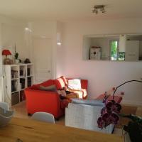 Spacieuse chambre avec salle de bains privative à 5mn du centre de Saint-Germain-en-Laye dans appartement de 120 m2