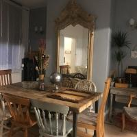 BEAUTIFUL COTTAGE HOME, NEWLY REFURBISHED, 3 BEDROOM HOUSE near Alton Towers, LEEK Centre, Peak District on doorstep