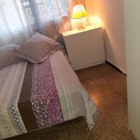 Habitación doble con cama matrimonial