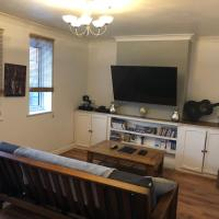 Central 2 bedroom apartment