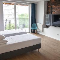 MoHo XL Hostel