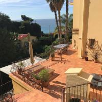 eze bord de mer terrasse plage a 6 min, hotel in Éze