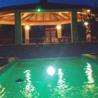 Mayia Bungalow, hotel near Paphos International Airport - PFO, Timi