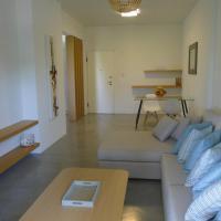 Deluxe Apartment in Vouliagmeni