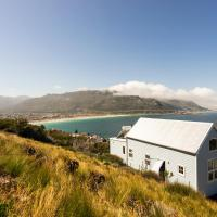 Mountain King - best ocean and whale views! Lofty in summer and cozy in winter