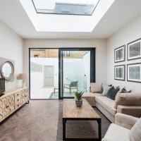 Modern, Bright & Elegant 3 Bed Fulham Maisonette