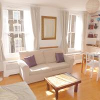 Bright, spacious 2 bedroom flat by Russell Square