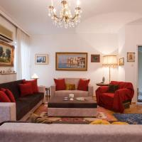 Elli's luxury, large apt in the center of Athens