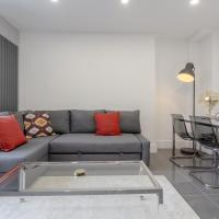 3 bedroom Penthouse Apartment in Canary Wharf