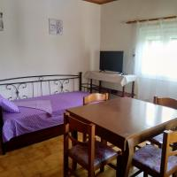 Villa Maria 200 meters from sandy beach (Chalikounas/Halikounas)