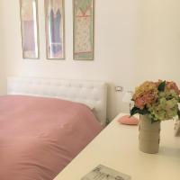 Charme Apartment Vaticano, hotel a Campione del Garda