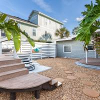Morning Breeze, 2 Bedrooms, Extra Sleeping Area, Fire Pit, Fenced in Yard, Short Walk to the Beach, WiFi, Sleeps 5