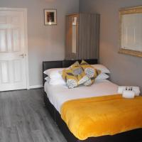 Lovely, Spacious Suite near BHX, NEC, Resorts World, Solihull and Birmingham International