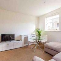 East London Apartment. 5 mins Bethnal Green tube