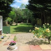 Garden Flat, Ealing